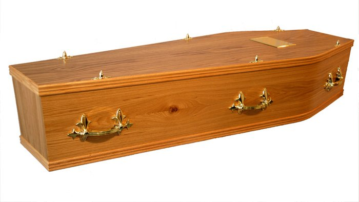 The Regent Traditional Coffin