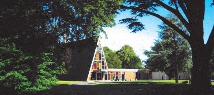 Kingsdown Crematorium Swindon Exterior Photo